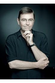 Dr. Simon Robinson, Professor
